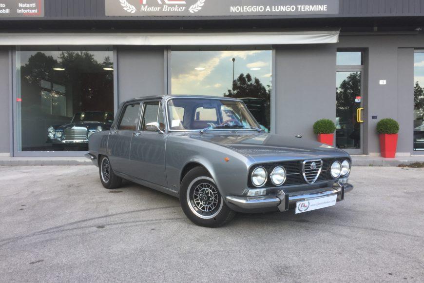 1971 Alfa Romeo 2000 Berlina ^ Restauro totale