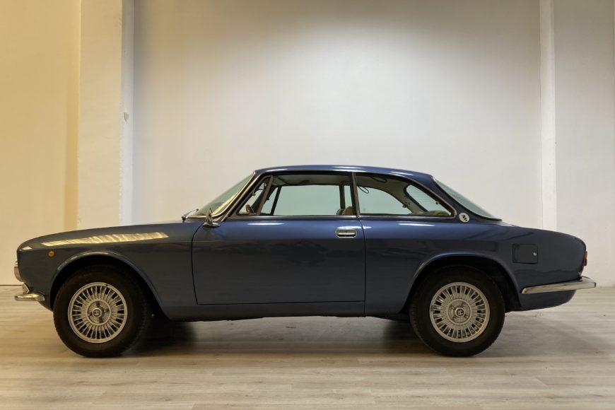 1973 Alfa Romeo GT 2000 Veloce Tipo 105.21 ^ Blu Pervinca